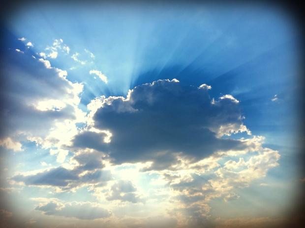Sun Rays & Clouds